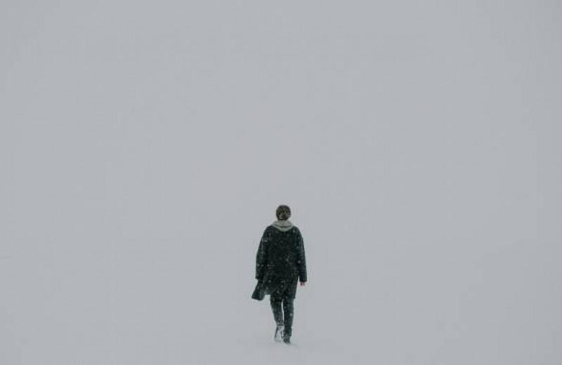 Как быть с одиночеством — обычным и экзистенциальным?