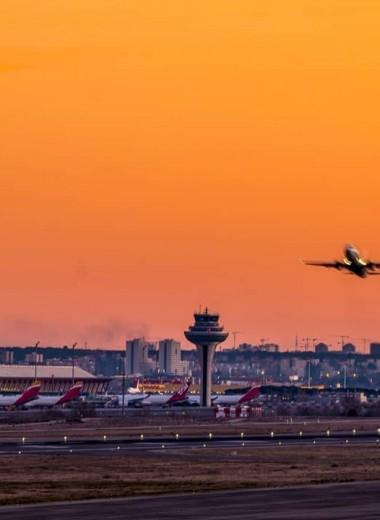 В Испании ищут владельца бесхозного самолета