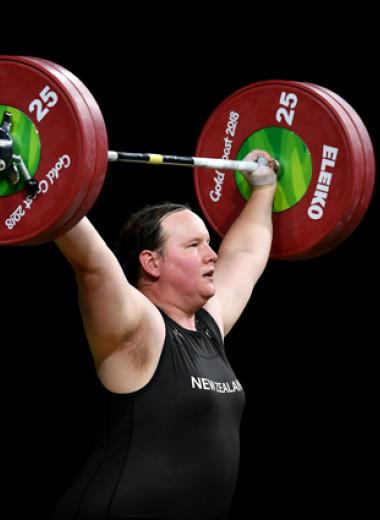 «Атлеты бегают не гениталиями». Как спортивные чиновники десятилетиями решали, кого можно называть женщиной