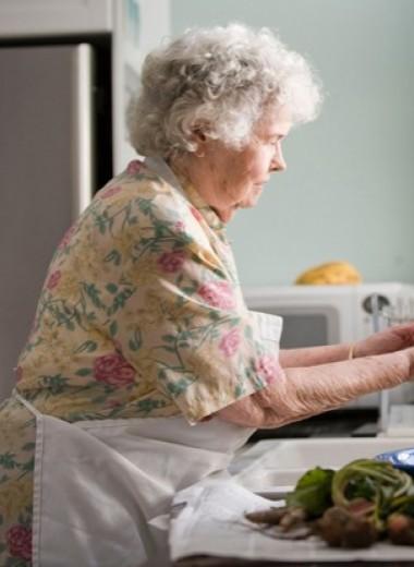 Как помочь уходящему на карантин пожилому человеку