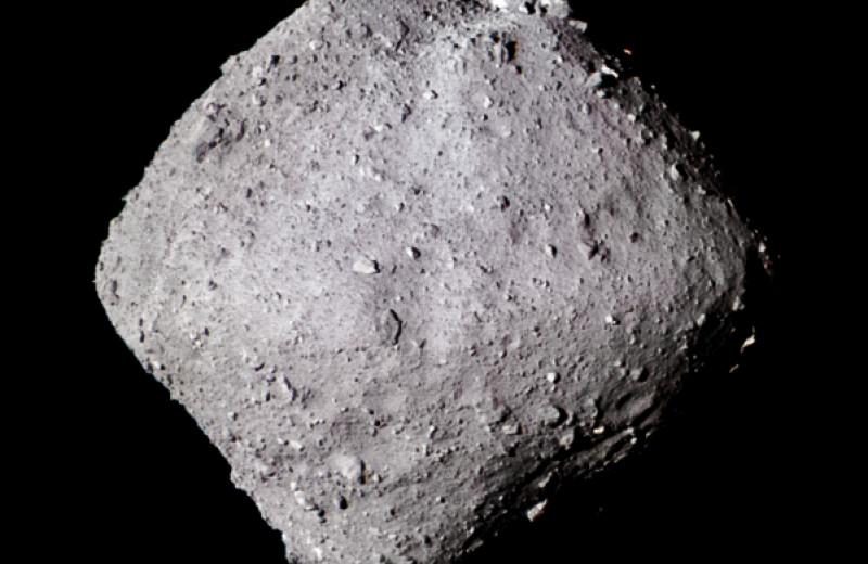 «Хаябуса-2» доставил с астероида Рюгу в 50 раз больше грунта, чем ожидалось