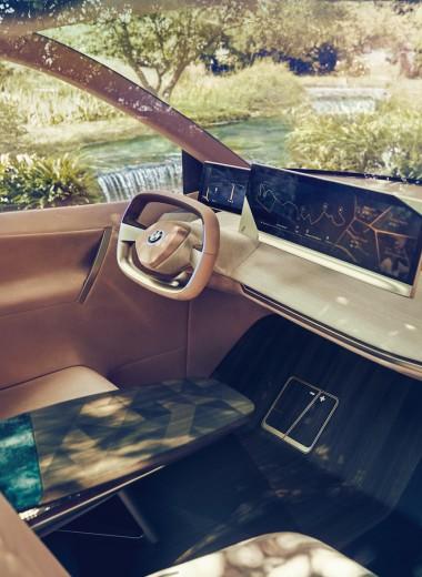 Глава BMW в России — об умных автомобилях, в которых можно жить