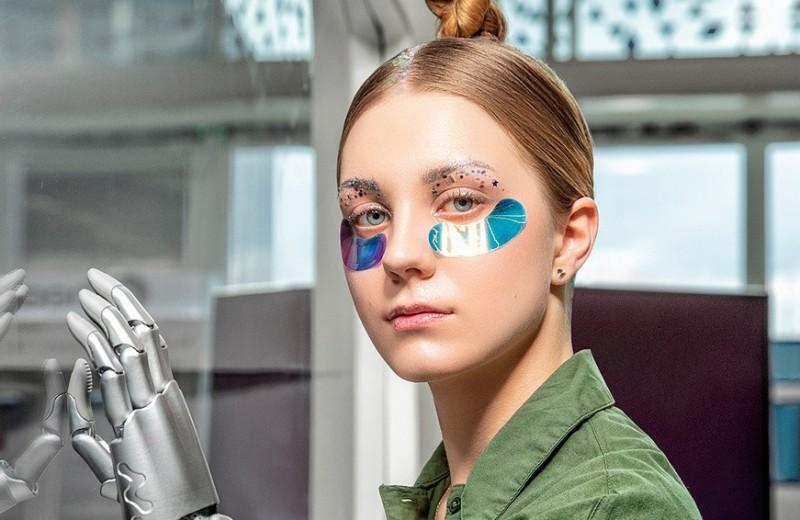 Замена салонам красоты: партнер однокурсника Медведева стал совладельцем производителей патчей
