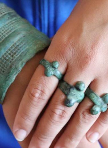 В Хакасии обнаружили богатое непотревоженное женское погребение эпохи бронзы