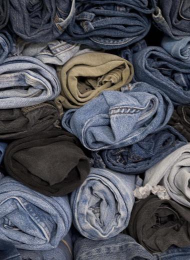 Продать нельзя уничтожить: почему модные бренды режут и сжигают нераспроданные товары