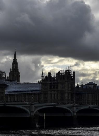 Изгнание из рая. Великобритания назовет имена российских олигархов с активами в офшорах