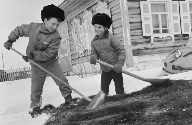 «Никакой швабры»: самые странные запреты из нашего детства и не только