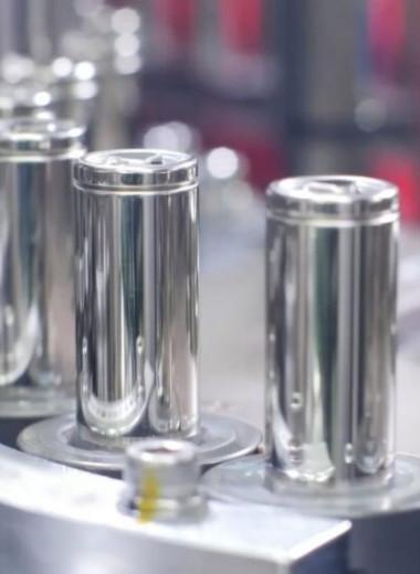 Российские химики создали новый тип аккумулятора, который заряжается в 10 раз быстрее литий-ионного