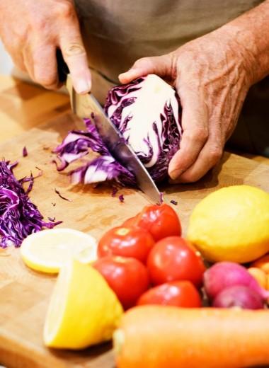 Как правильно питаться в период менопаузы, чтобы сохранить здоровье