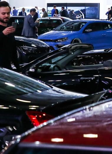 Купить не глядя. Почему онлайн-продажи машин никак не разгонятся
