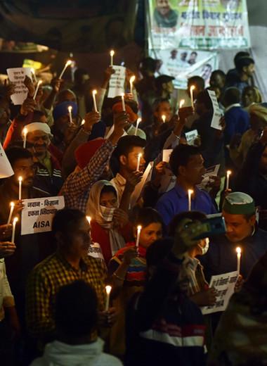 «Полю все равно, какого я пола»: почему индийские женщины протестуют из-за аграрной реформы