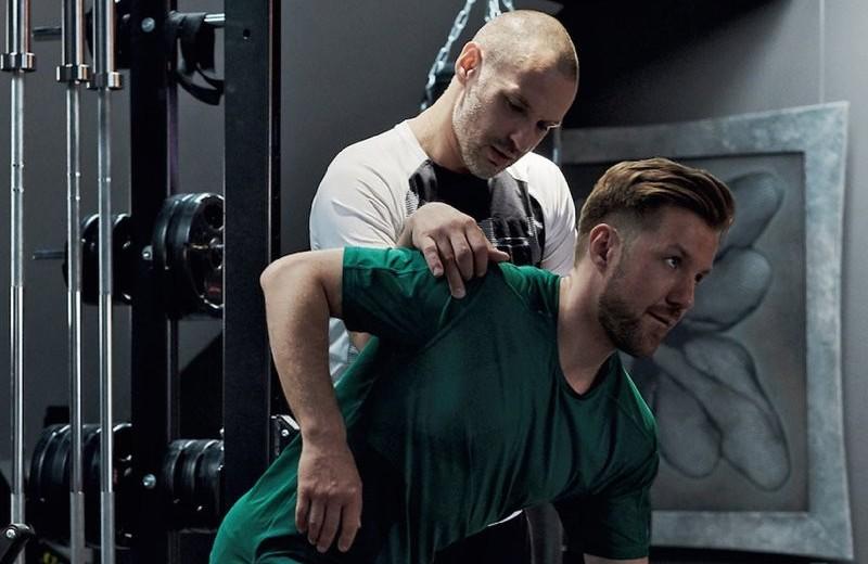 Тренировка здоровой спины: 8 упражнений, задающих «правильный стереотип положения»