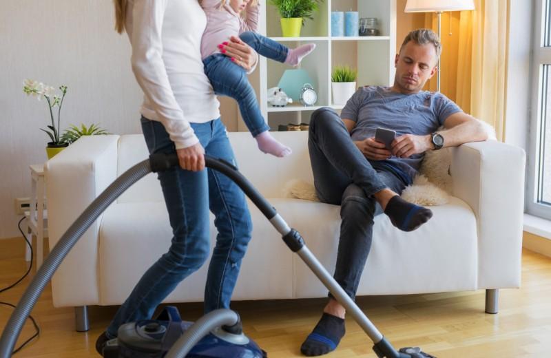 Как согнать мужа с дивана: инструкция для 4 типов мужчин