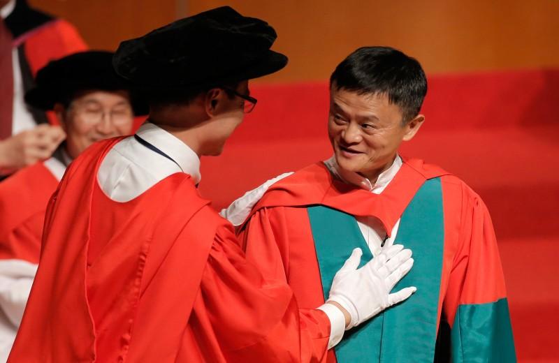 «Крестный отец предпринимательства в Китае»: 10 удивительных историй о Джеке Ма