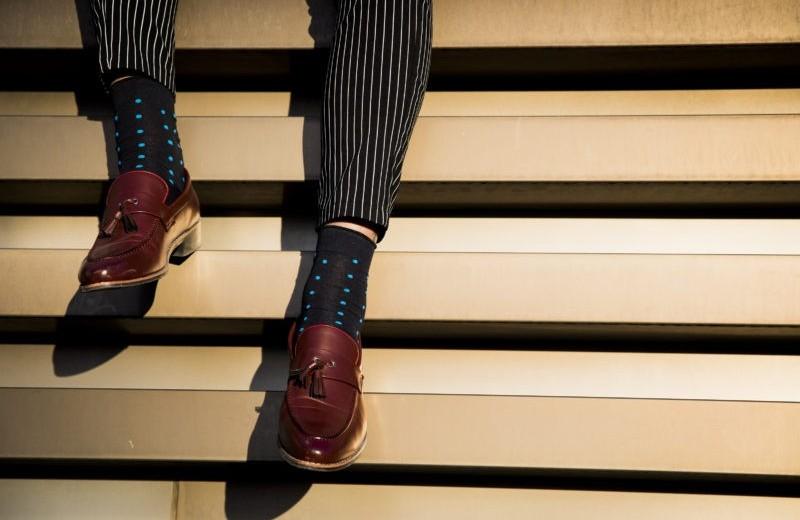 Как подобрать носки к костюму?