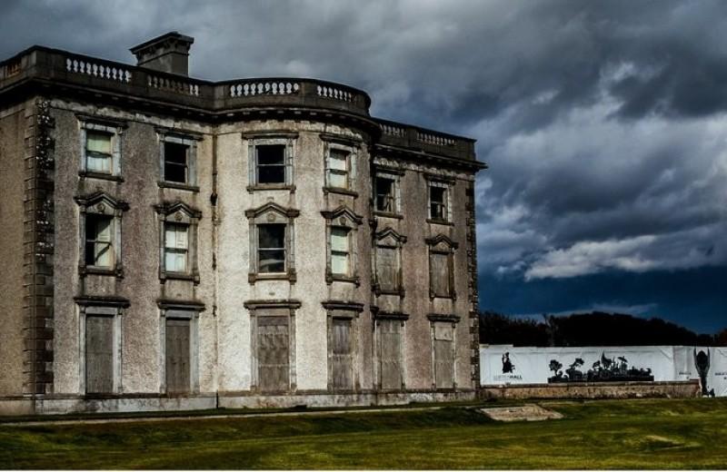 Лофтус Холл: самый известный в Ирландии дом с привидениями