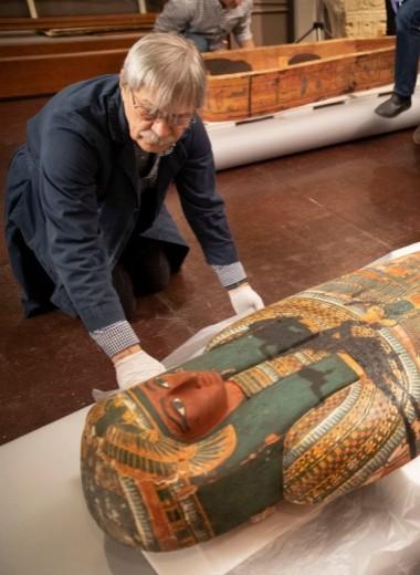 В египетских саркофагах обнаружили скрытые изображения божества Ра-Хорахте