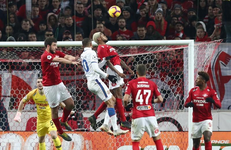 Дорогой евроремонт: нужно ли расширять премьер-лигу российского футбола?