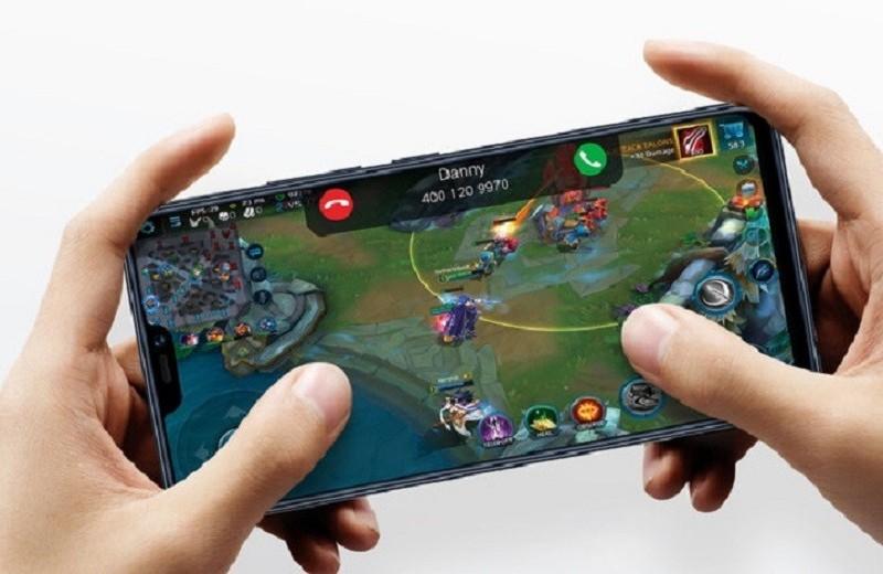 Компания Vivo официально представила смартфон V9 в России