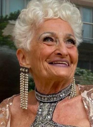 «Хроники хищницы»: 85-летняя пенсионерка обольщает молодых мужчин