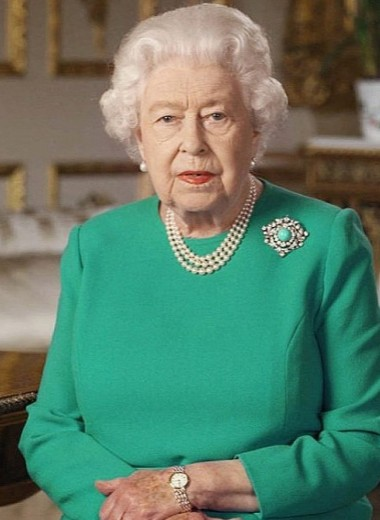 Как Елизавета II обращалась к подданным — и какие наряды выбирала: разбираем все 5 внеплановых обращений к нации