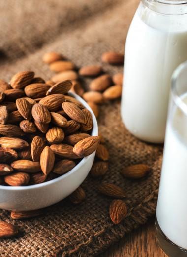 Как выбрать миндальное молоко