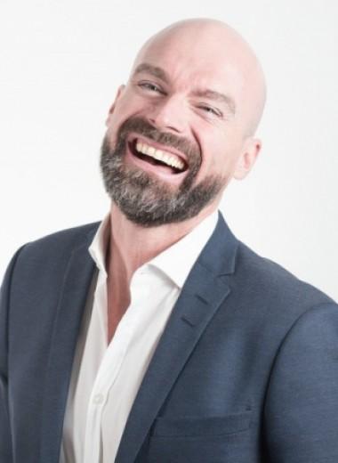 Почему у мужчин выпадают волосы? 5 причин и 7 способов с этим бороться