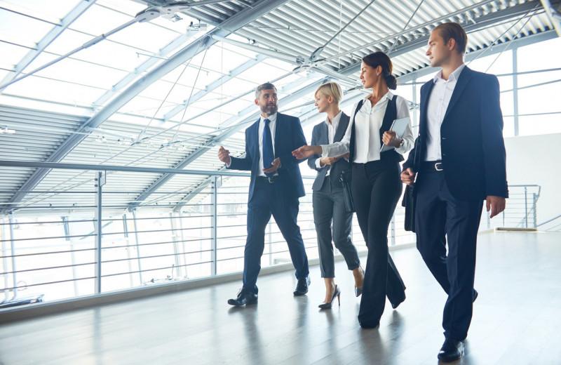 Компании, увеличивающие количество женщин в руководстве, меньше рискуют — но более открыты к переменам