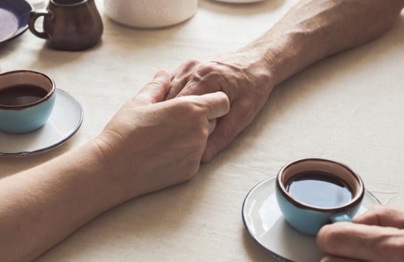 Скорая эмоциональная помощь: как поддержать мужчину, а как женщину