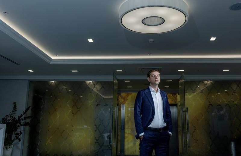 Собиратель долгов: как экс-менеджер ВТБ24 убеждает участников списка Forbes возвращать деньги государству
