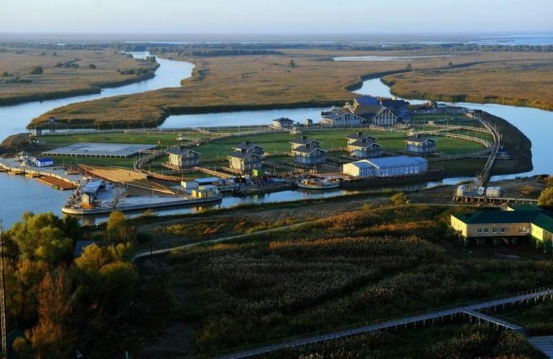 «Проект» рассказал о даче Медведева в Астраханской области, построенной специально под рост бывшего премьер-министра