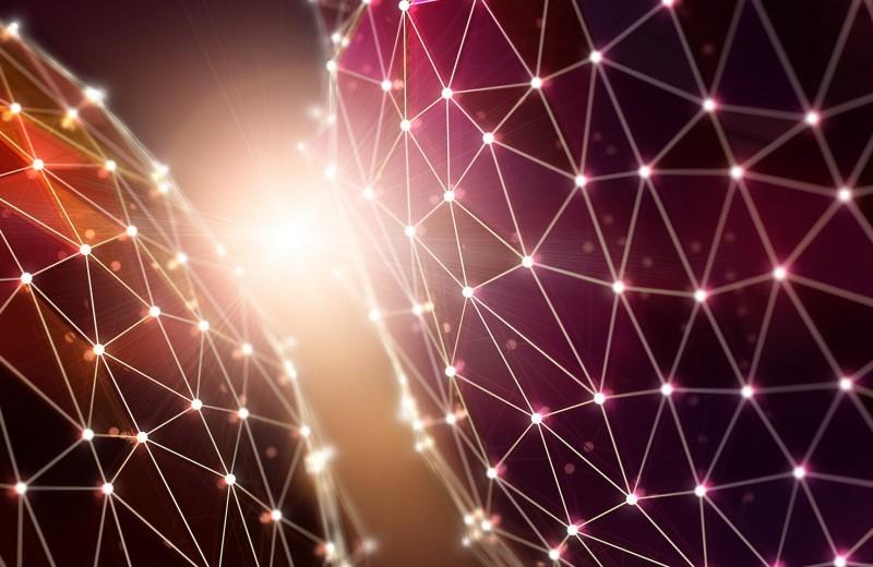 Физикам впервые удалось надолго запереть свет в нанорезонаторе
