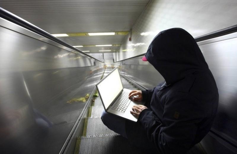 Могут ли украсть деньги в метро с бесконтактной банковской карты?