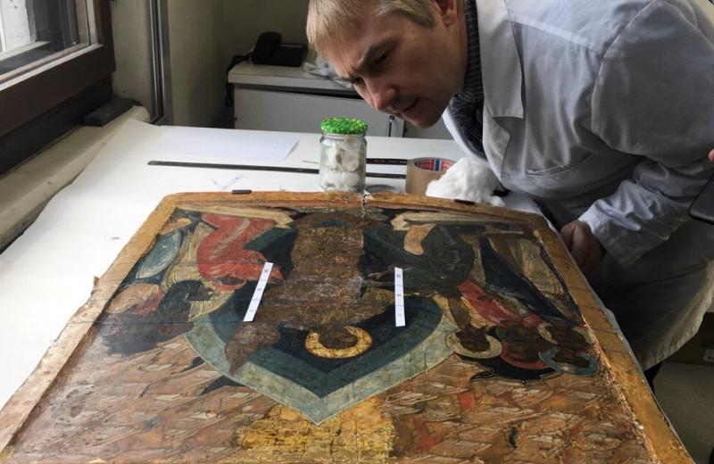Антисептик для ангелов: как биологи спасают шедевры Третьяковской галереи