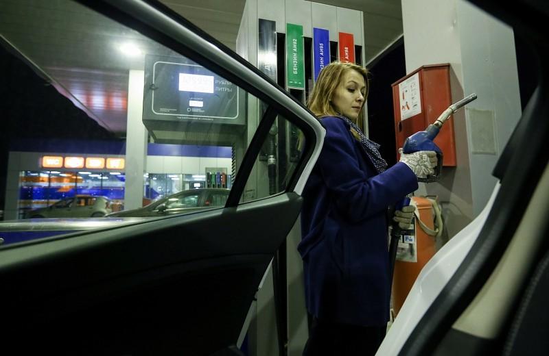 Независимым АЗС разрешили продавать бензин на 4% дороже «Роснефти»