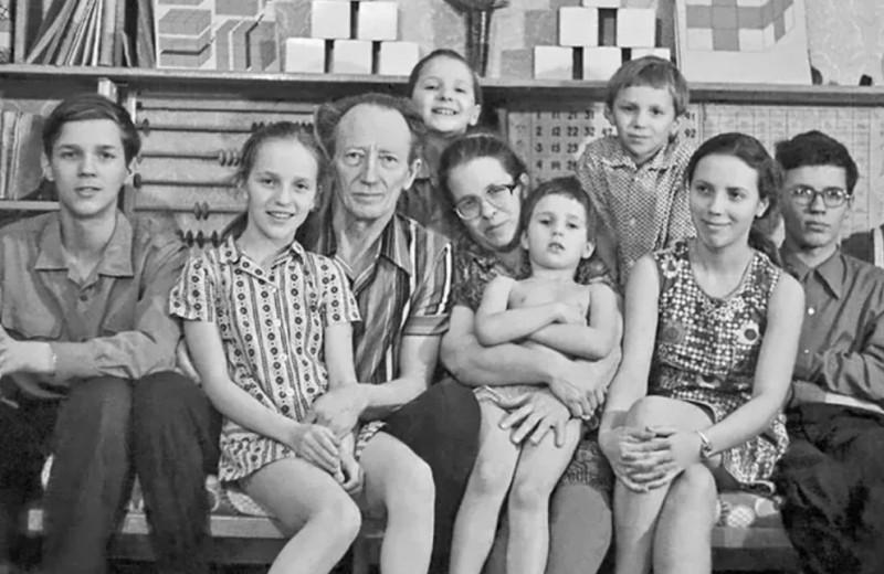 Босые на морозе: как воспитывали детей советские педагоги Никитины