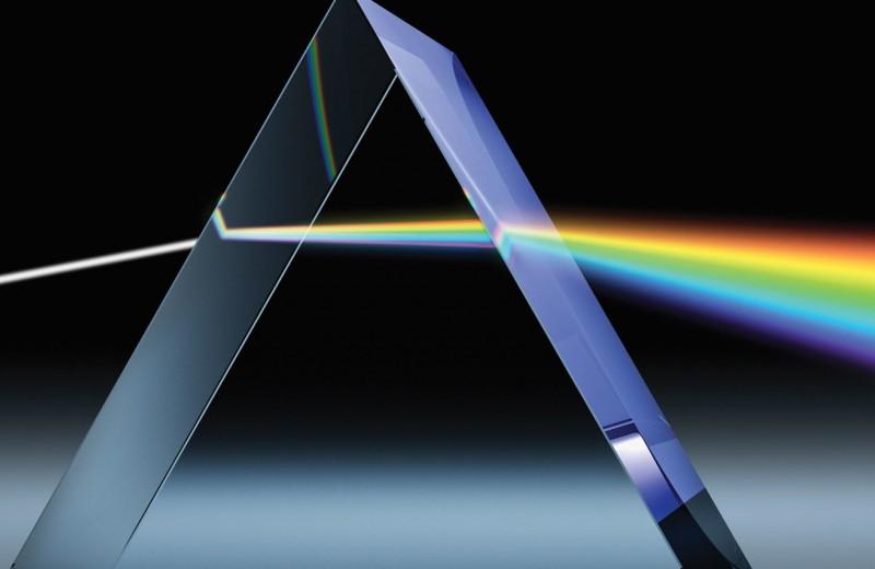Физики пропустили свет через самый тонкий в мире кристалл-полупроводник