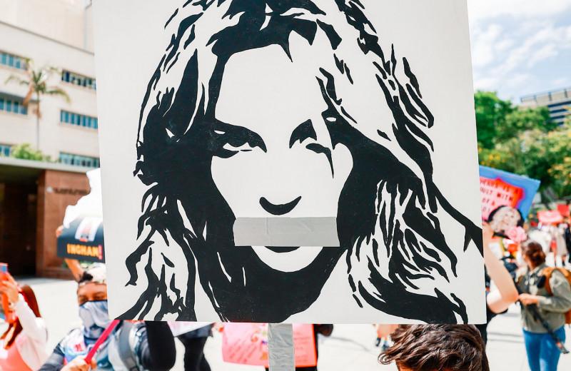 Падение Бритни Спирс: как любимица миллионов оказалась «недееспособной»