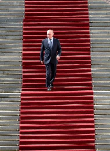 Второе тело президента: Кремль решает проблему смертности лидера, кодифицировав Путина в конституции