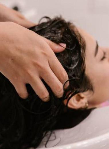 Почему вьются волосы и что внутри шампуней, масок и кондиционеров?