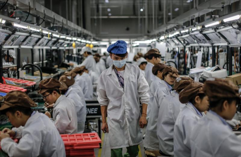 В Китае все чаще меняют менеджеров на алгоритмы: те следят за работниками, дают им задачи и могут списать часть зарплаты