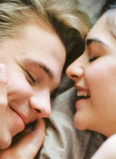 6 поз во время сна с мужем: что они говорят о характере ваших отношений?