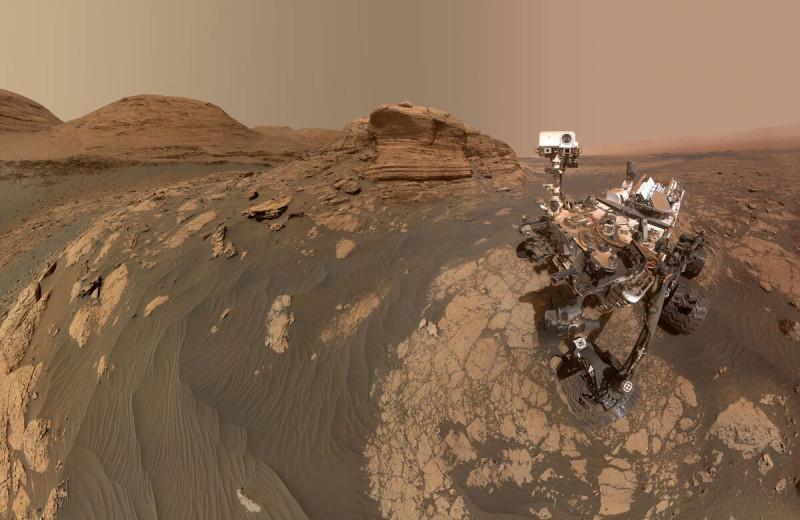 Curiosity сделал селфи на фоне холма Мон-Мерку