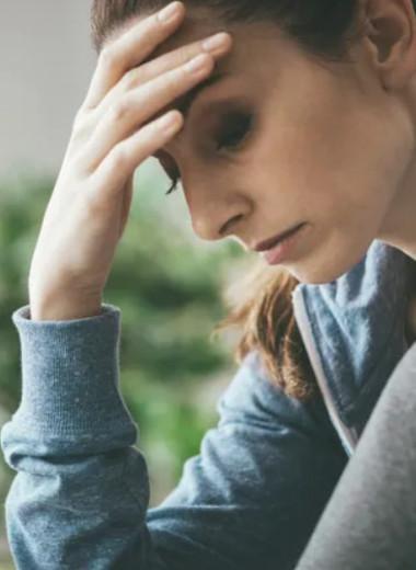 «Почему они молчали»: 5 причин, по которым женщины не рассказывают о насилии