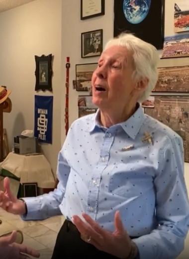 Вместе с Безосом в космос отправится 82-летняя Уолли Фанк. 60 лет назад она могла стать первой женщиной-астронавтом
