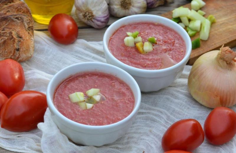 Спасаемся от зноя: 5 рецептов холодных супов из Европы
