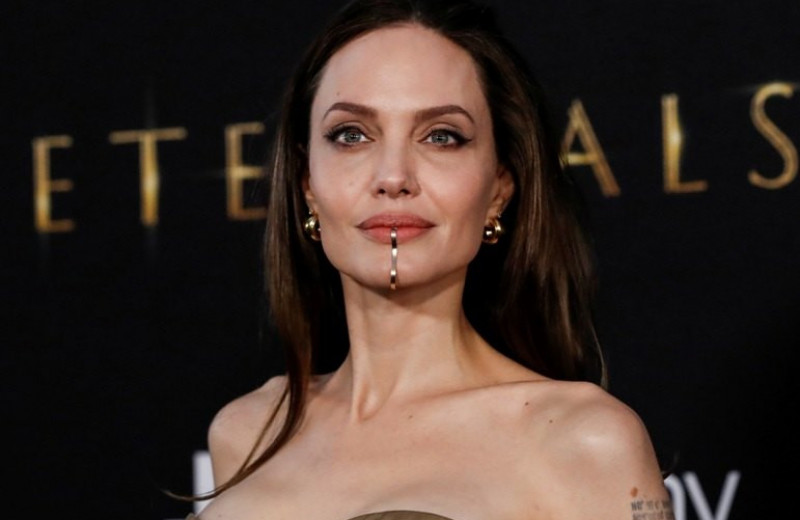 После премьеры «Вечных» эксперт рассказал, как менялось лицо Анджелины Джоли