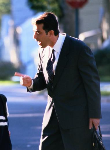 Твердая отцовская рука: 7 способов наказать ребенка без ремня