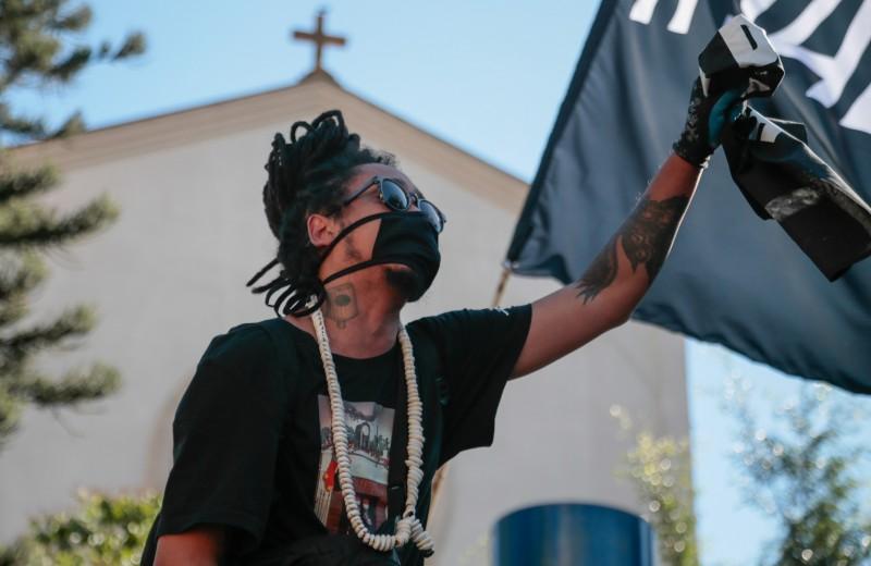 Какую роль мода играет в протестных движениях