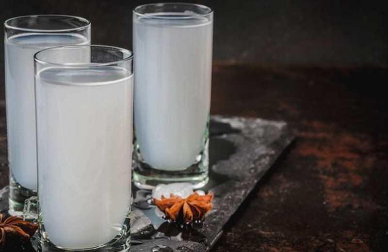 Турецкая водка раки: традиции употребления илучшие закуски